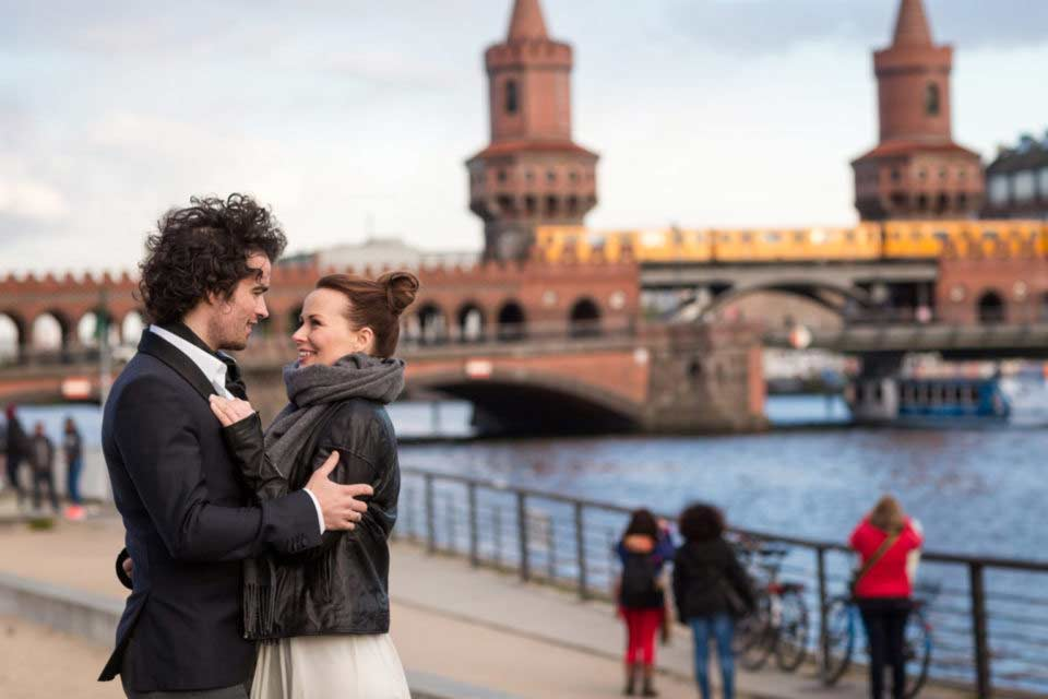 After Wedding Shooting – Oberbaum Bridge Berlin Kreuzberg